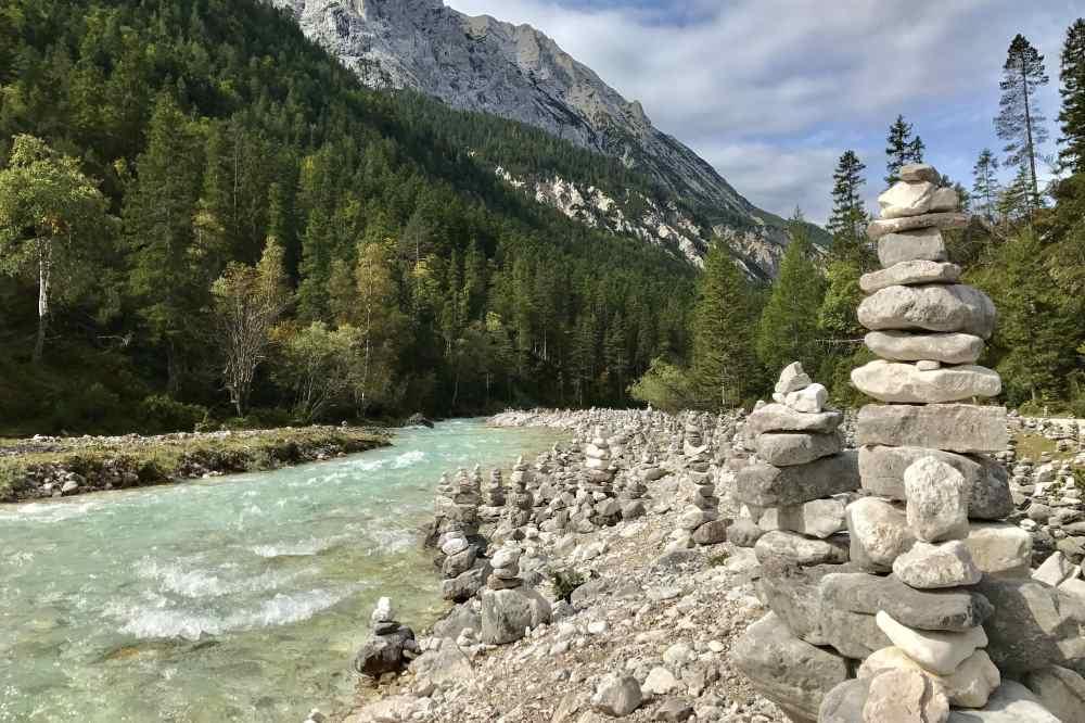 Umgebung Innsbruck: Die Isar und Der Isarursprung im Karwendel, nahe Innsbruck