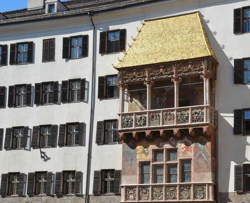 Die bekannteste Sehenswürdigkeit in der Altstadt: Das Goldene Dachl in Innsbruck