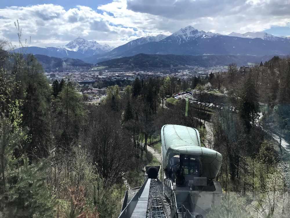 Die von Zara Hadid gestaltete Station Alpenzoo der Hungerburgbahn