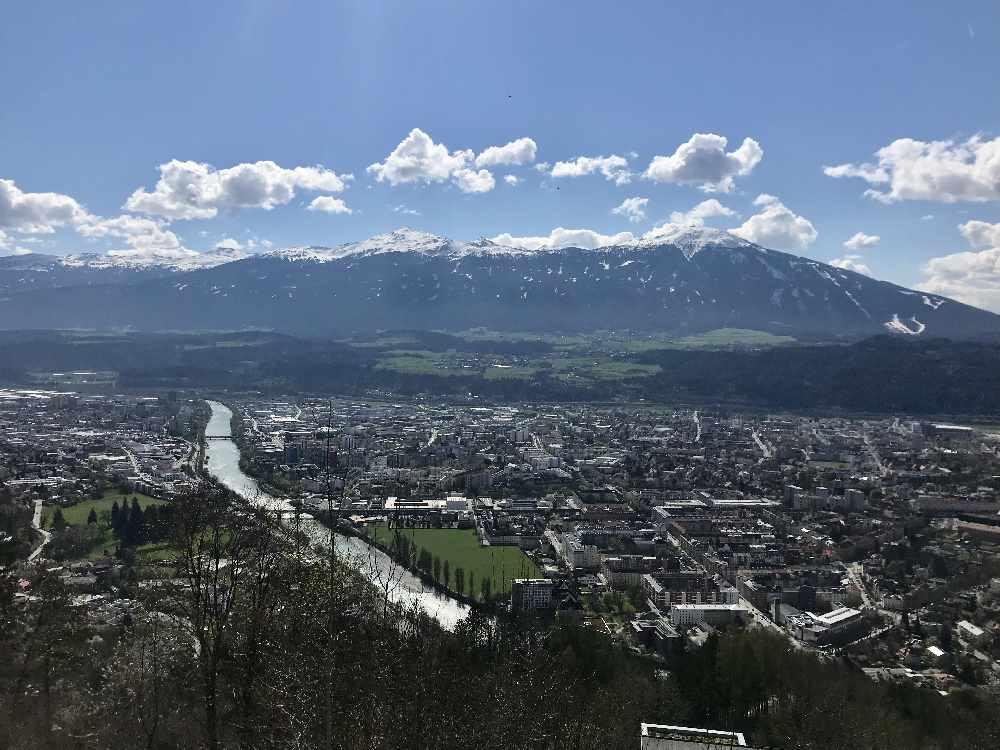 Top Aussichtspunkt Innsbruck - mit der Bahn kommst du mühelos hinauf