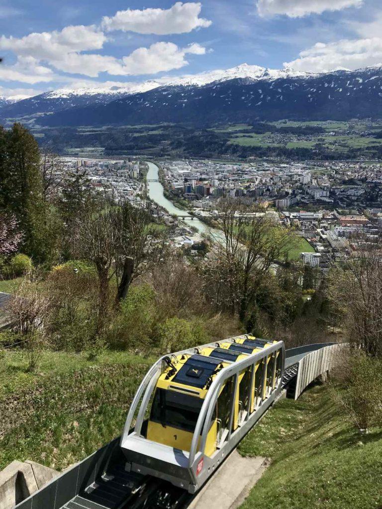 Die Hungerburgbahn - bei der Bergstation auf der Hungerburg, Aussichtspunkt Innsbruck