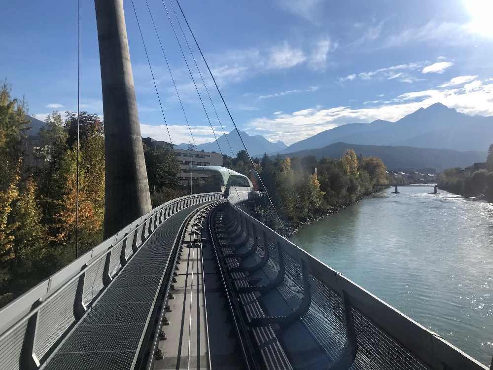 Einfahrt mit der Hungerburgbahn ins Löwenhaus Innsbruck