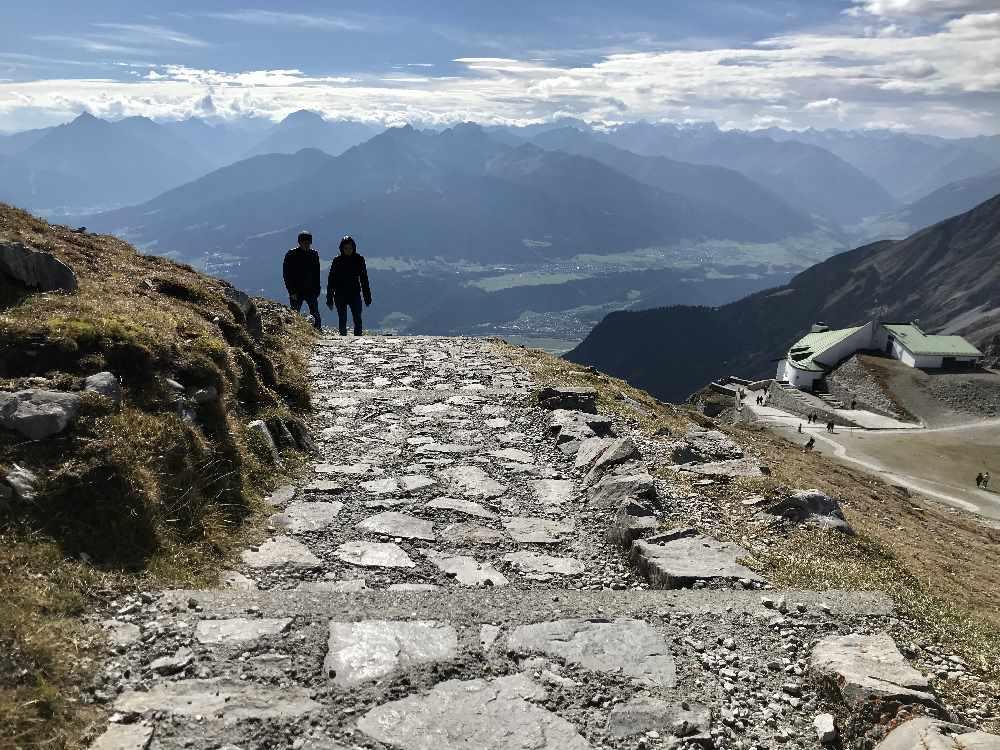 Spaziergang Innsbruck am Hafelekar zum Gipfelkreuz der Hafelkarspitze