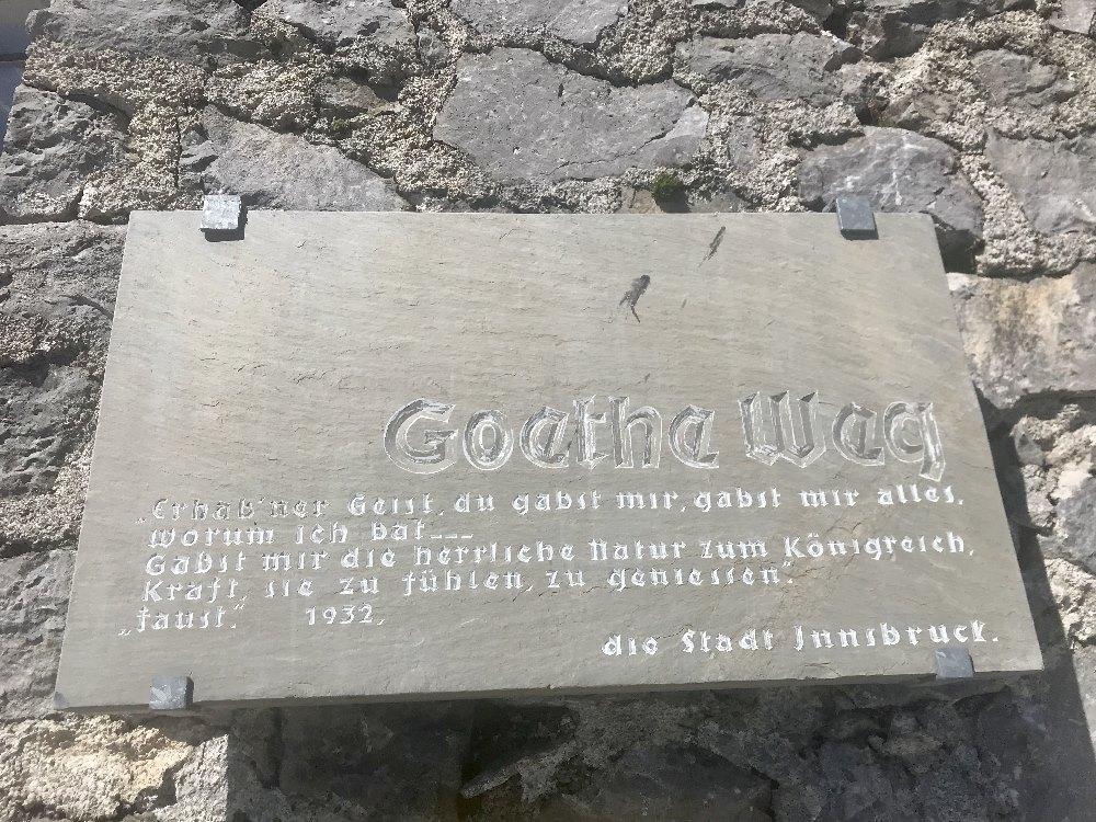 Goetheweg Innsbruck - das Wappen  am Hafelekar