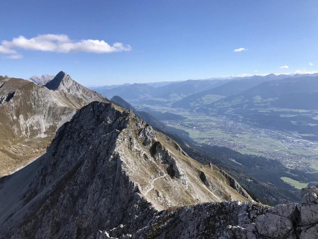 Goetheweg Innsbruck - Ausblick vom Karwendel über das Inntal und die Tuxer Alpen