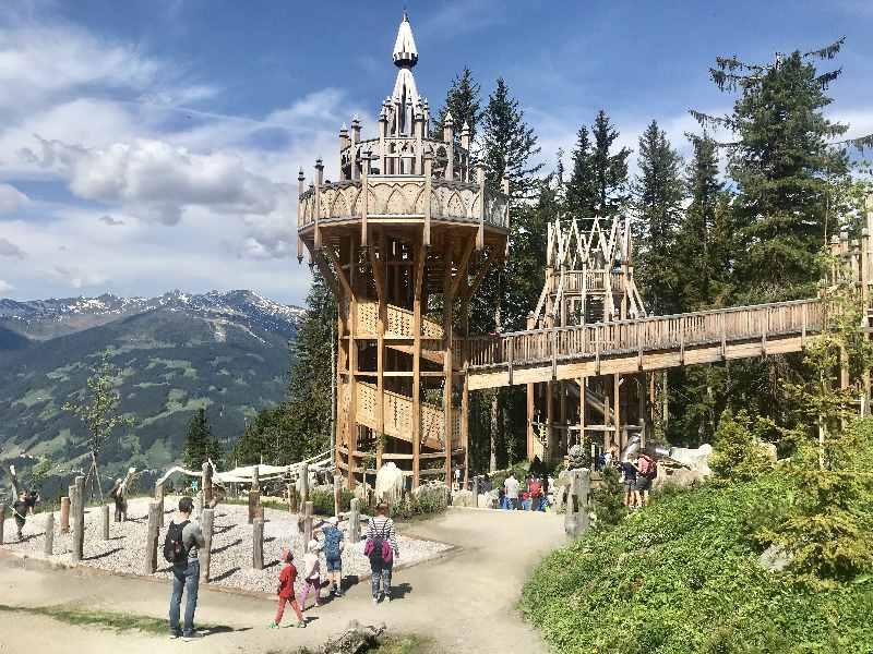 Ab Innsbruck mit Kindern - zu diesem ganz besonderen Spielplatz im Zillertal