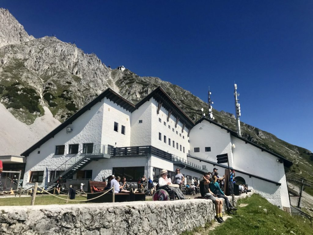 Das ist die alpine Aussichtsterrasse auf der Seegrube