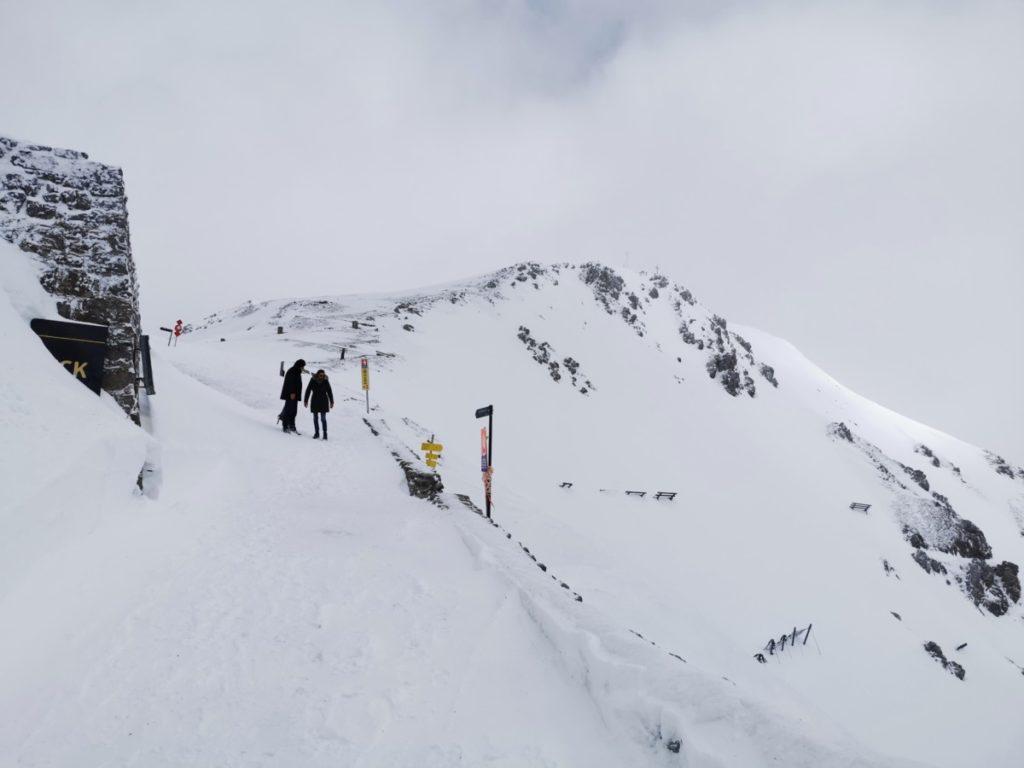 Winterwanderung Innsbruck - bei der Bergstation der Hafelekarbahn geht´s los