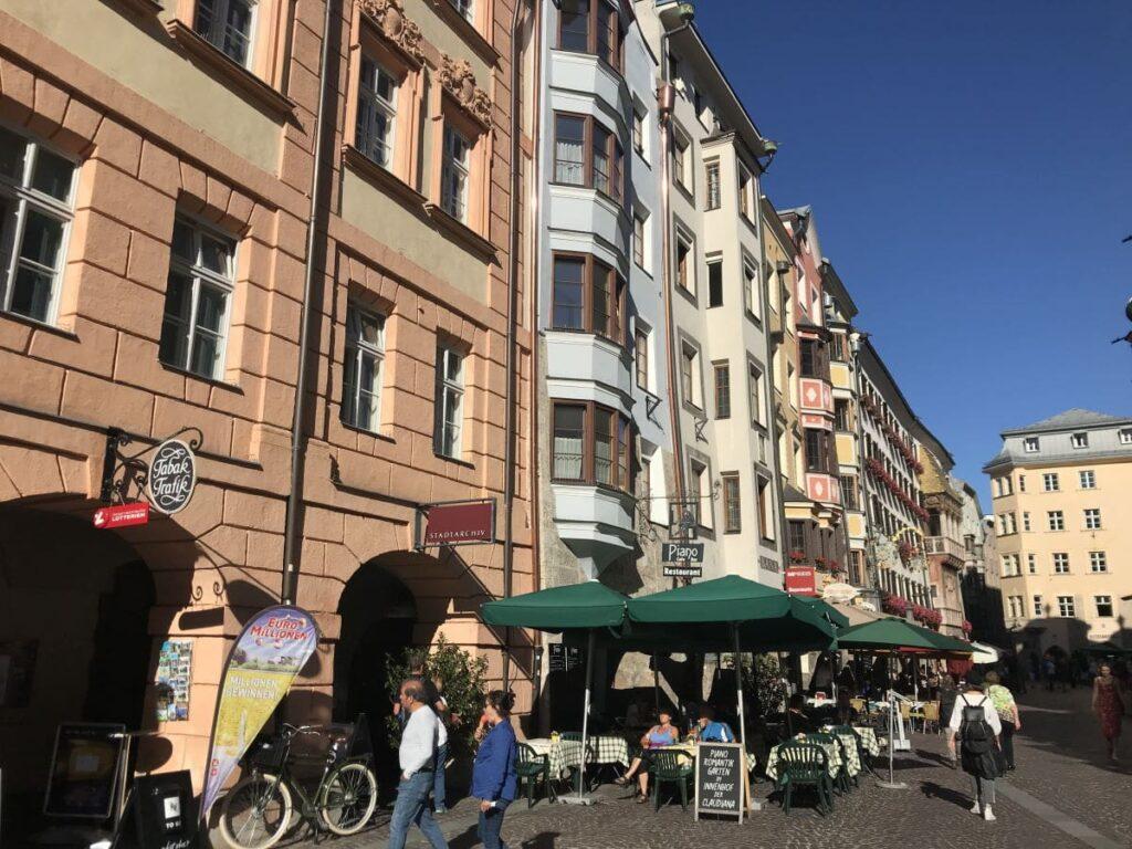 Innsbruck Shopping - inmitten der tollen Fassaden in der Altstadt