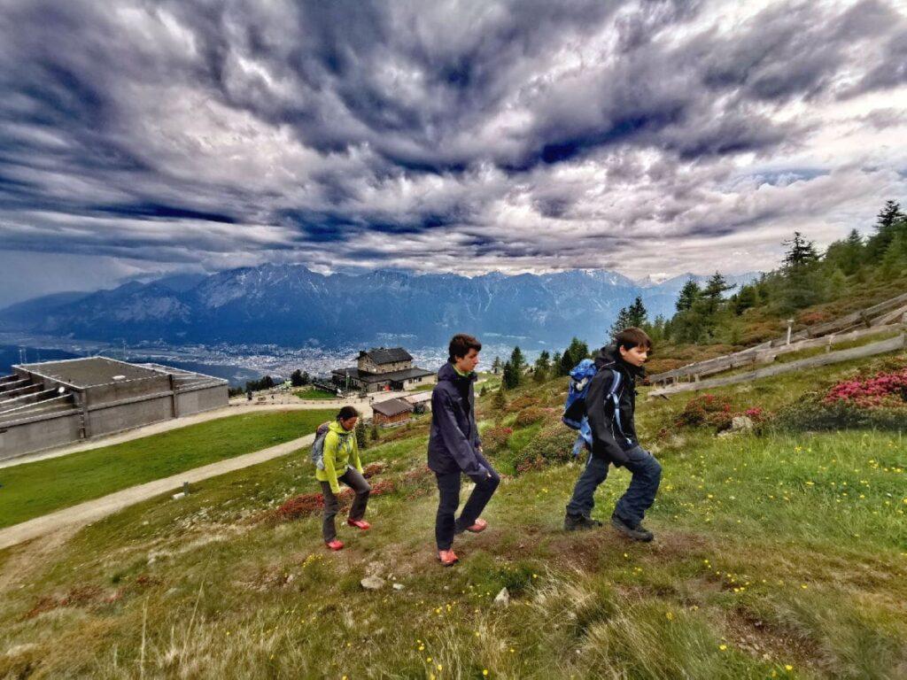 Atemberaubendes Wolkenspiel auf unserer Patscherkofel Wanderung in Innsbruck