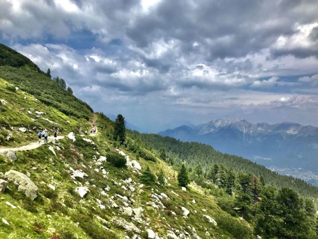 Innsbruck Berge - Ausblick am Zirbenweg zwischen Patscherkofel und Glungezer